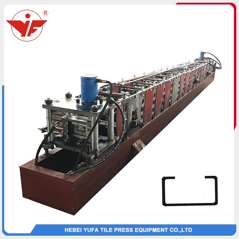 Hydraulic cutting C purlin forming machine