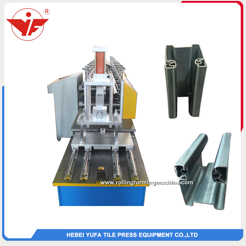 Shutter door side slidding forming machine